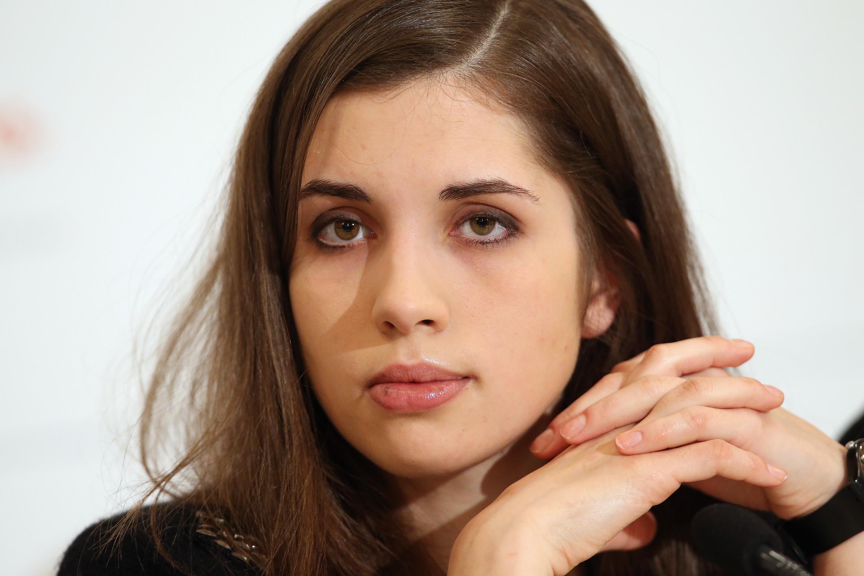Звезда Надежда Толоконникова показала свои голые прелести. Бесплатно на Starsru.ru