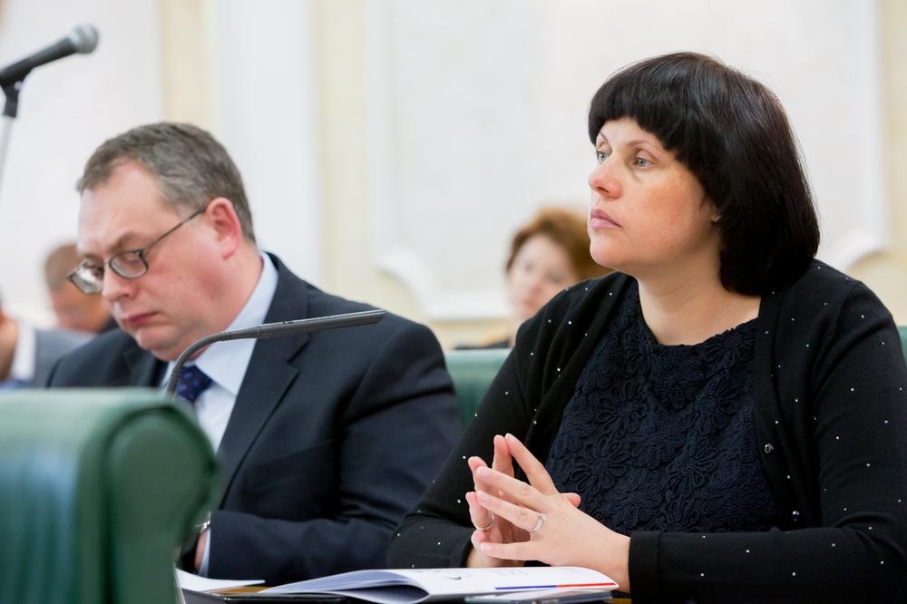Замужем ли общественный деятель елена афанасьева